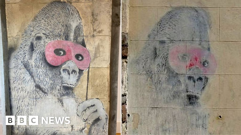 'Missing' Bristol Banksy gorilla appears at auction