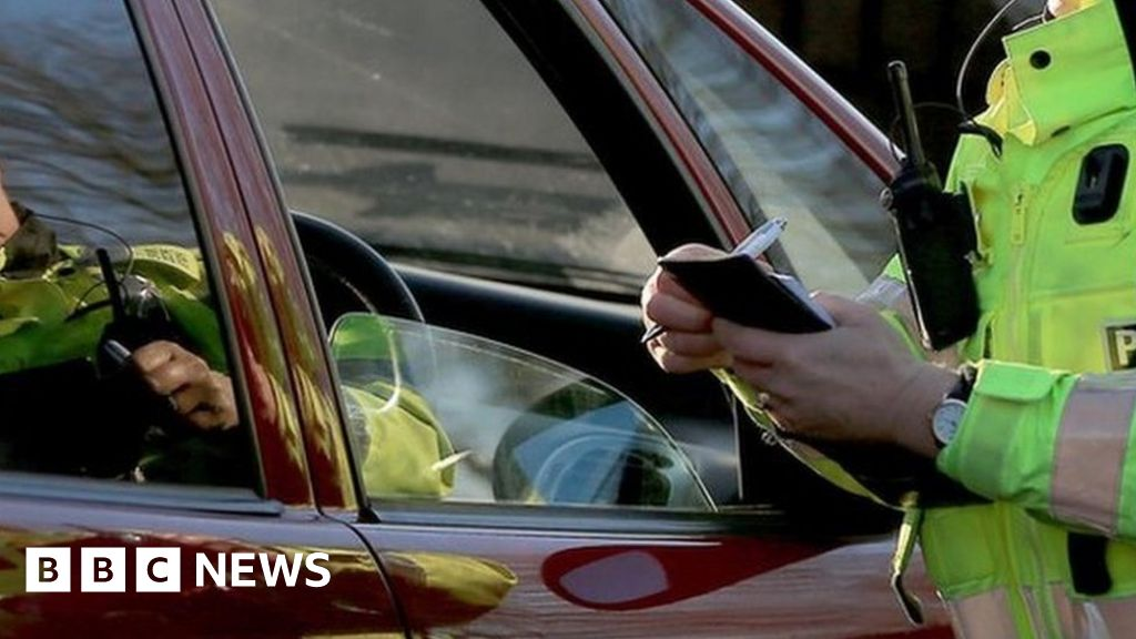 Coronavirus: driver stopped on M6-lockdown-trip with a woman in the boat