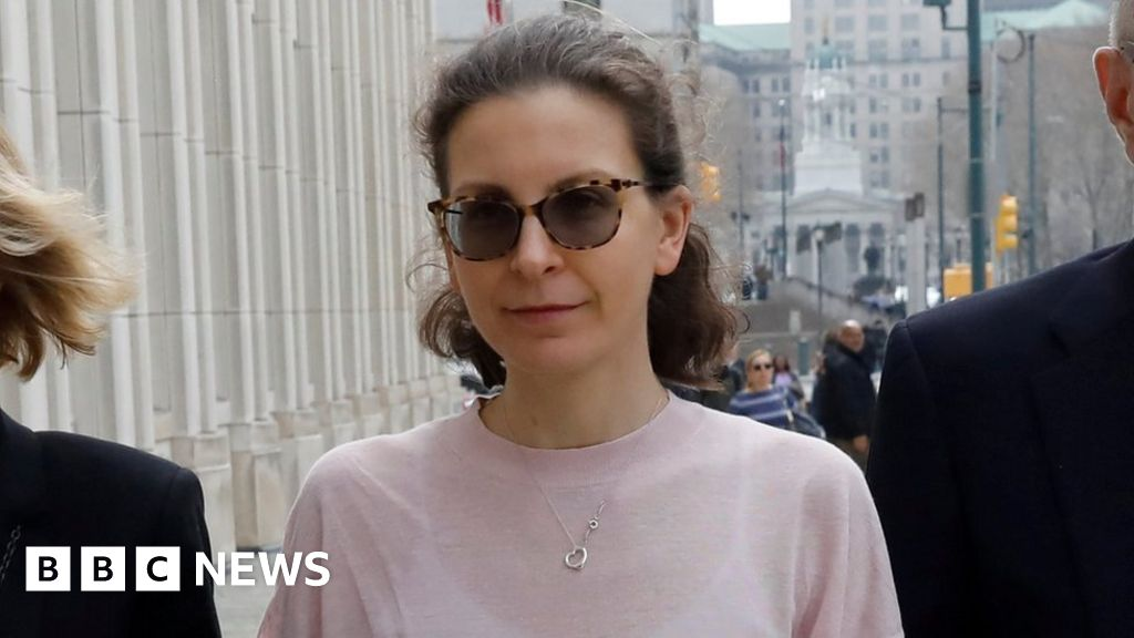 Nxivm: Seagram heiress Clare Bronfman jailed in 'sex cult' case thumbnail