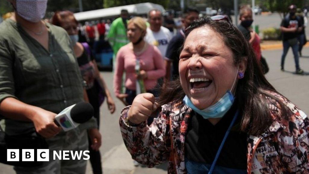 Mexico City metro: Shock, grief, anger in Mexico over metro crash