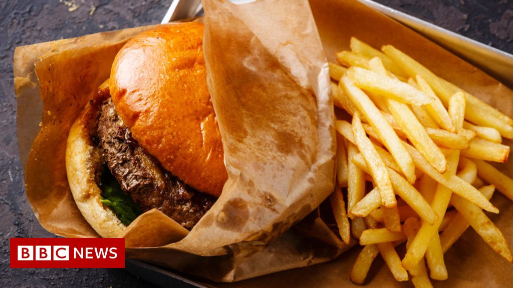 Unhealthy diets are 'slow-motion disaster'