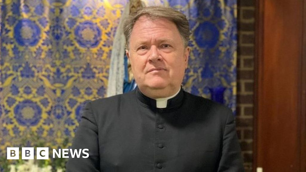 Sir David Amess: Priest tried to give Last Rites to dying MP