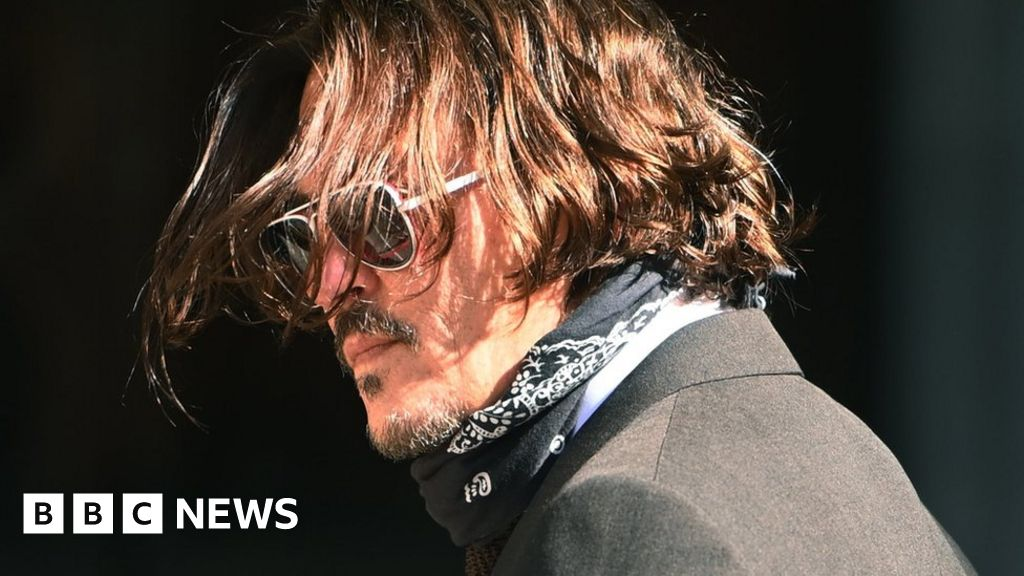 Johnny Depp and Amber Heard: Court hears details of 'violent' marital rows