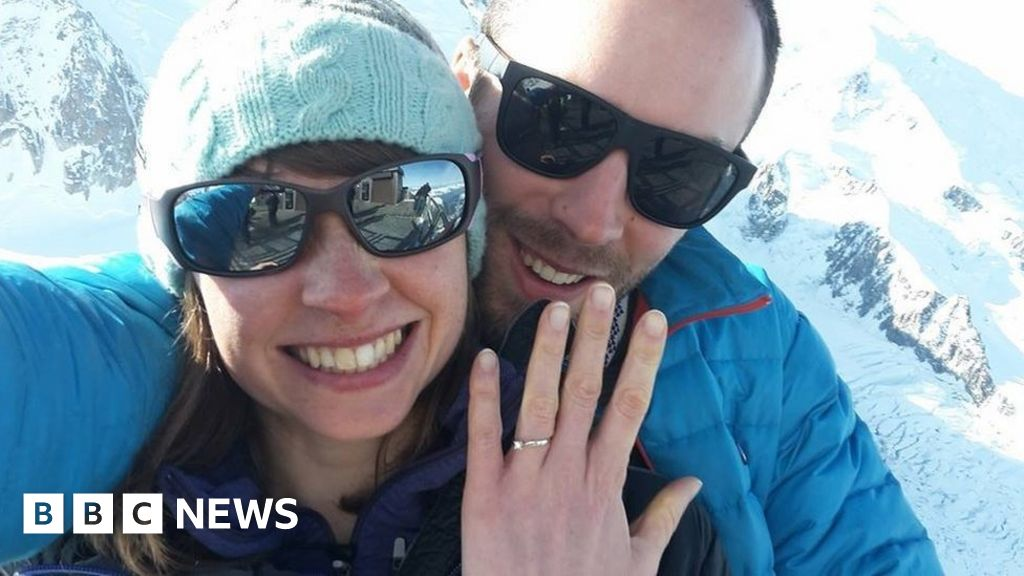 Yosemite park rock fall: Climber died protecting wife - BBC News