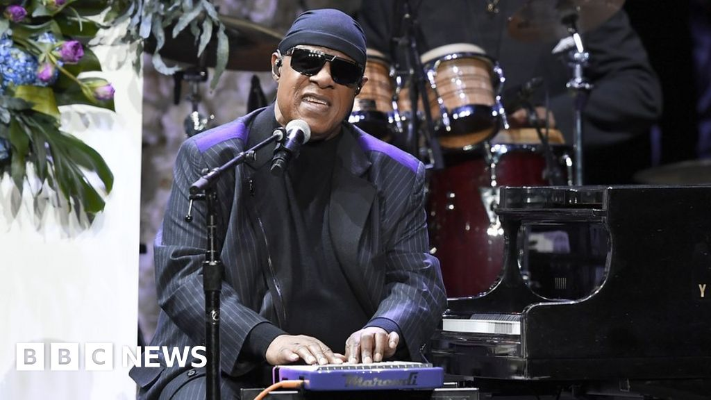 Stevie Wonder to have kidney transplant thumbnail