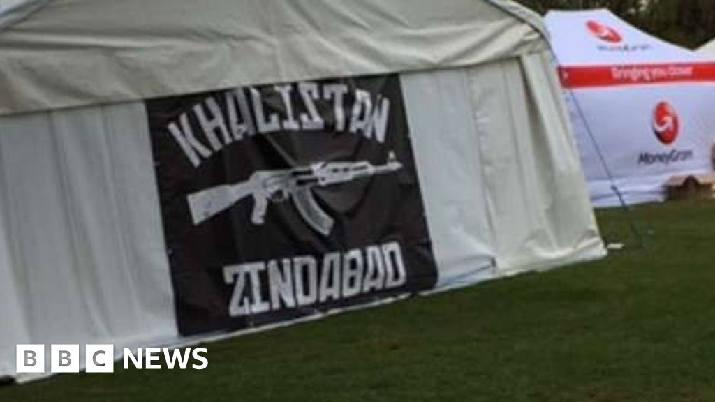 Gun banner at Birmingham Sikh event criticised - BBC News