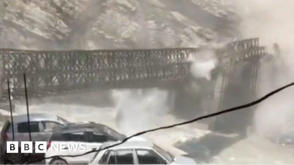 Rockslide destroys bridge in India