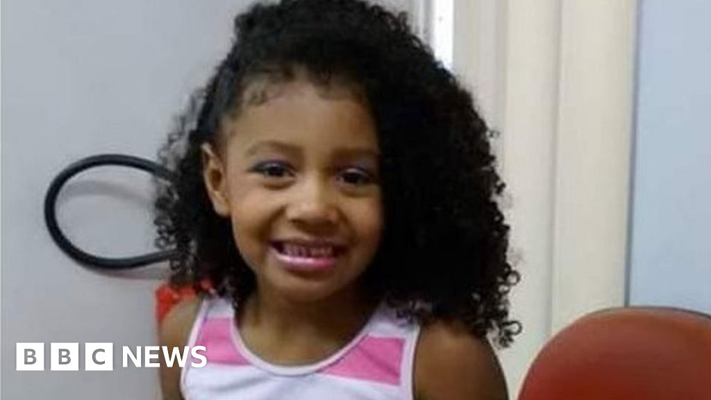 Rio violence: Protests as girl, eight,  killed by police