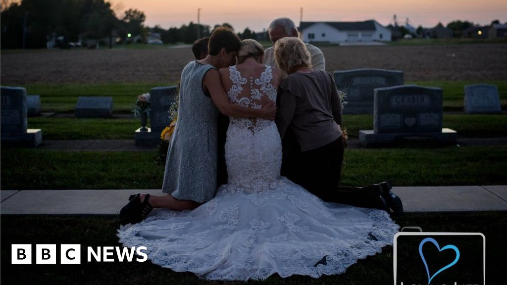 Widowed bride's final photos with her groom