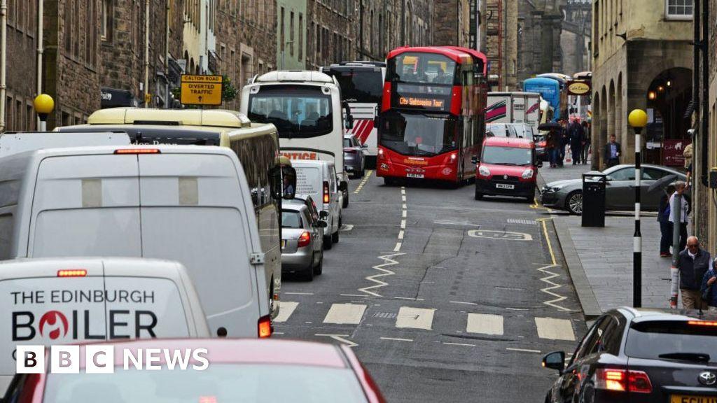 Older cars face ban from Edinburgh city centre