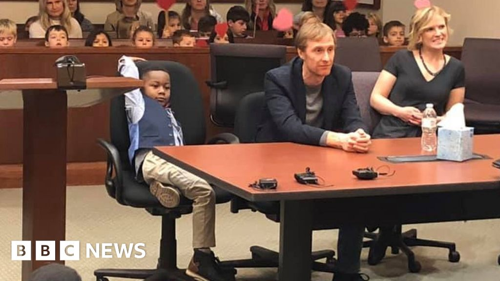 Boy, 5, invites entire class to watch his adoption