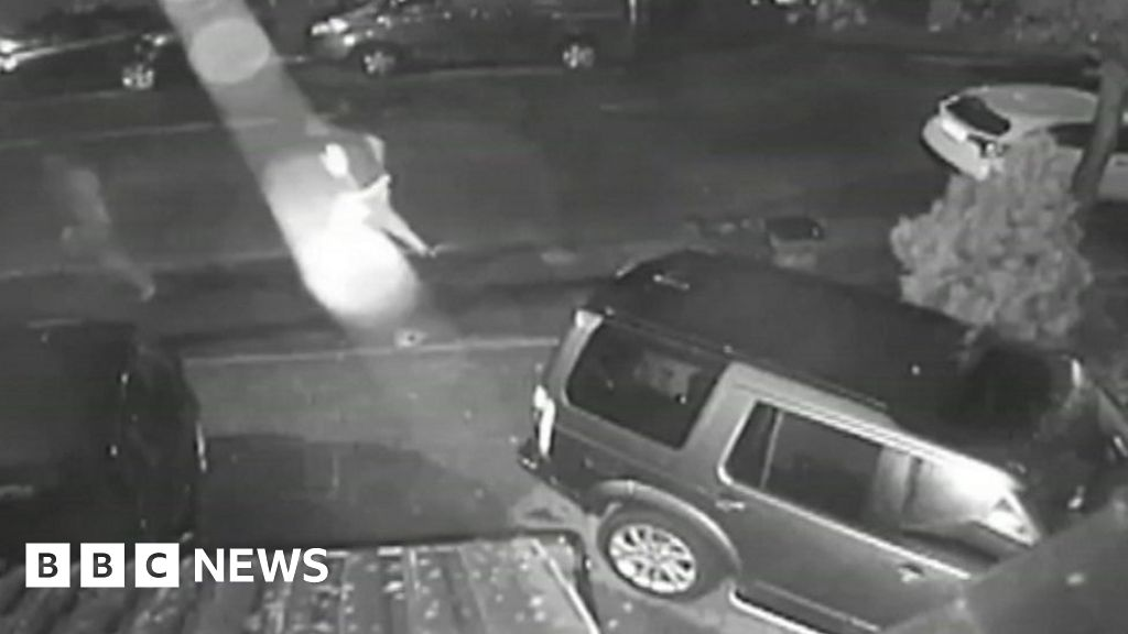 Land Rover Discovery stolen in Solihull in 'keyless' theft