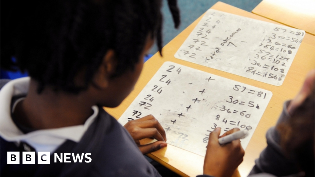 Covid: Poor pupils fall further behind in maths