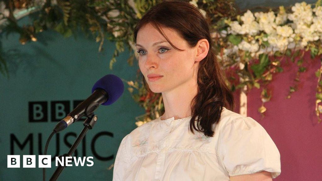 Sophie Ellis-Bextor at home recovering from bike crash