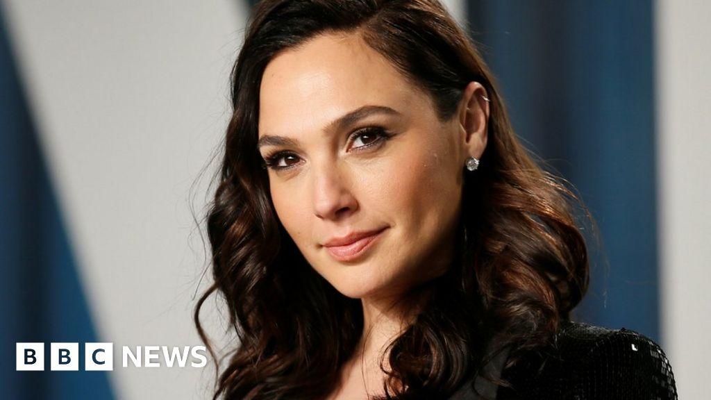 Gal Gadot: Wonder Woman actress receives backlash over Middle East tweet