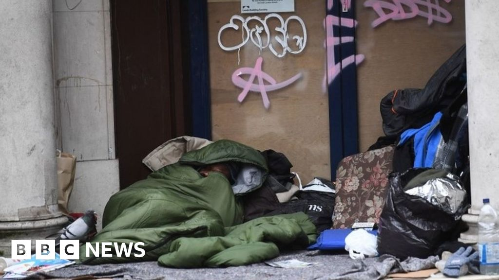 Coronavirus: 'Safe spaces' needed for homeless to self-isolate thumbnail