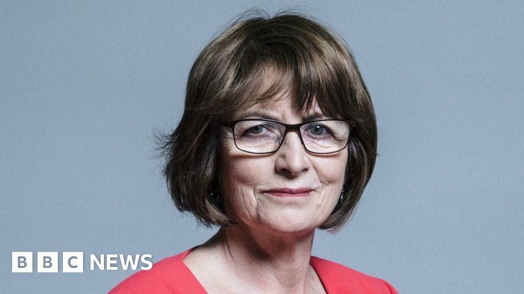 Louise Ellman: MP quits Labour over anti-Semitism concerns thumbnail