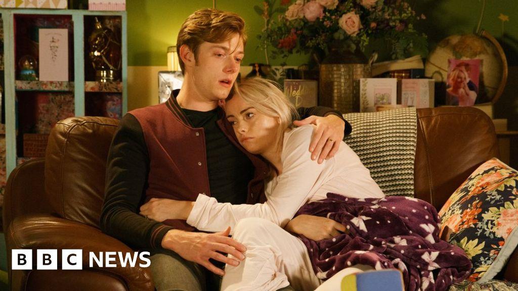 Coronation Street cancer storyline: 'Life isn't a fairy tale' thumbnail