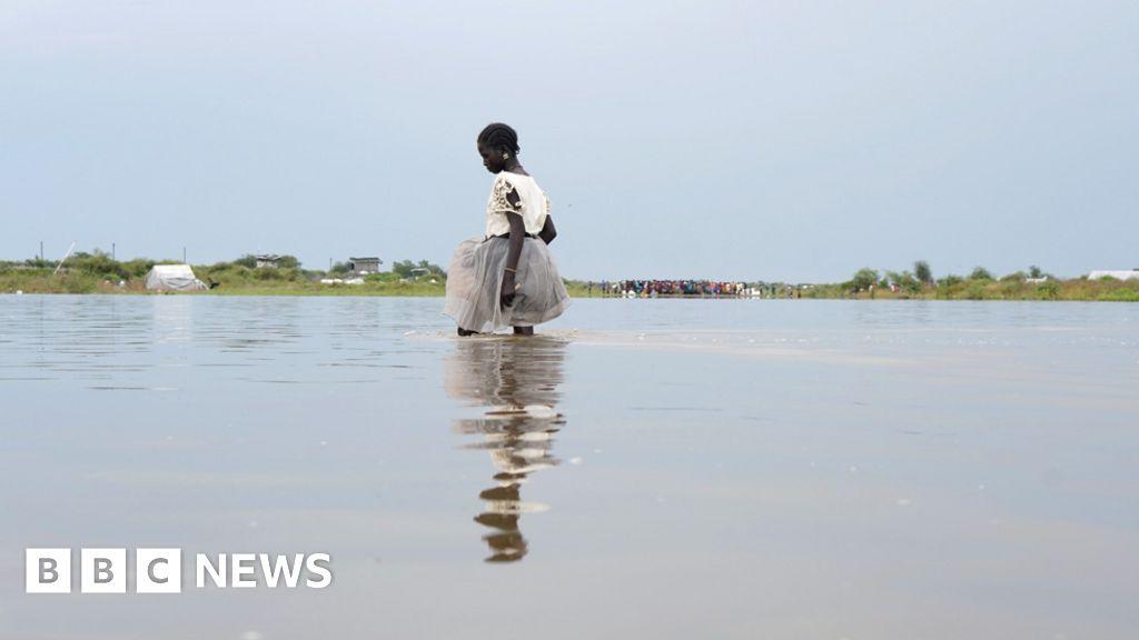 'Emergency unfolding' in flooded South Sudan
