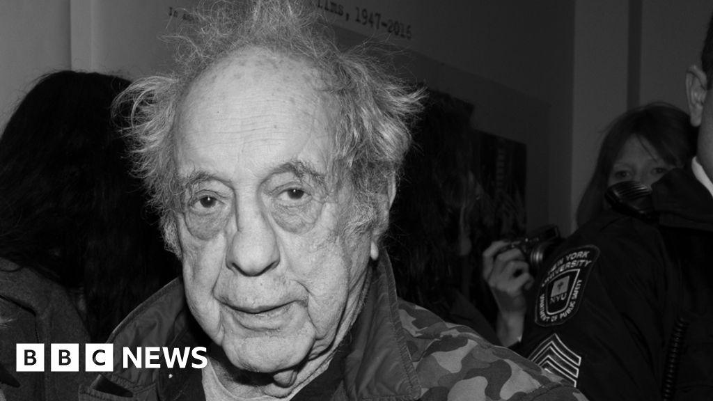 Robert Frank: Influential Swiss-American photographer dies at 94