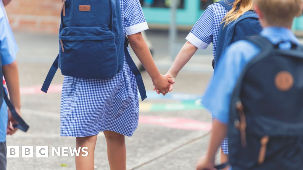 The coronavirus 'class divide': Parents judged for school return choices