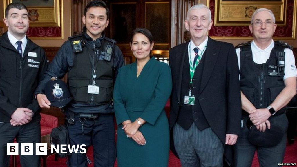 Commons security staff praised for saving man from river Thames