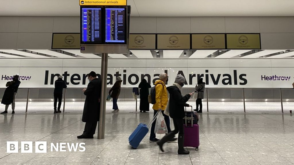 Coronavirus: New rules for fully jabbed US and EU arrivals begin