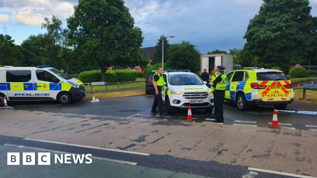 Swindon shooting: man shot stolen in the leg by the police after the truck