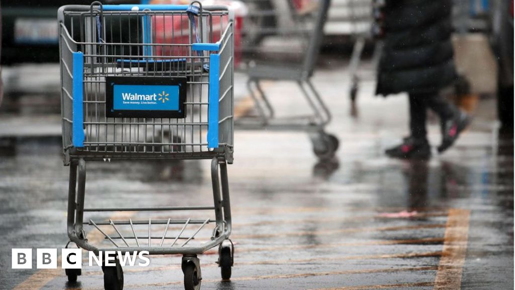 Walmart clouds pay rise by closing Sam Club's stores - BBC News