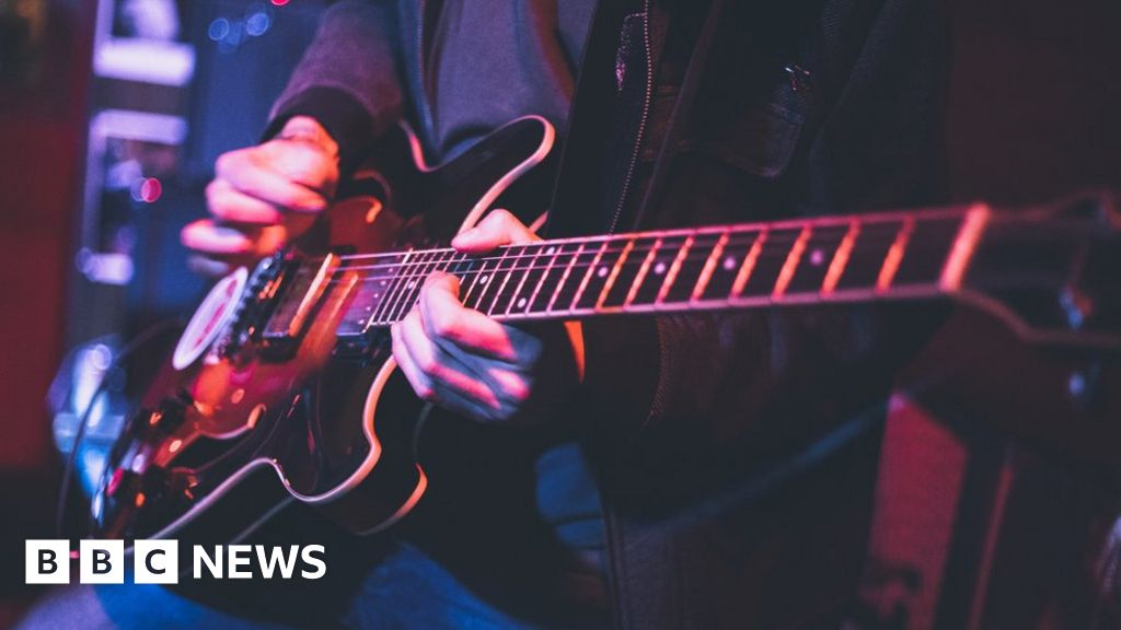 120380675 guitar gettyimages 1179532734.