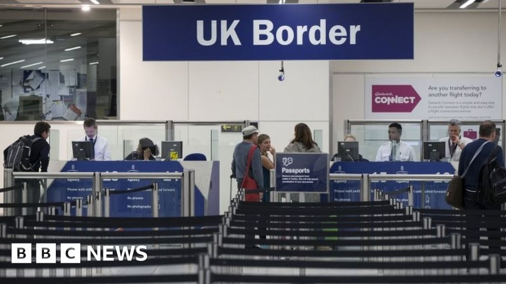 UK to exit the EU: EU citizens who miss the deadline face deportation - minister