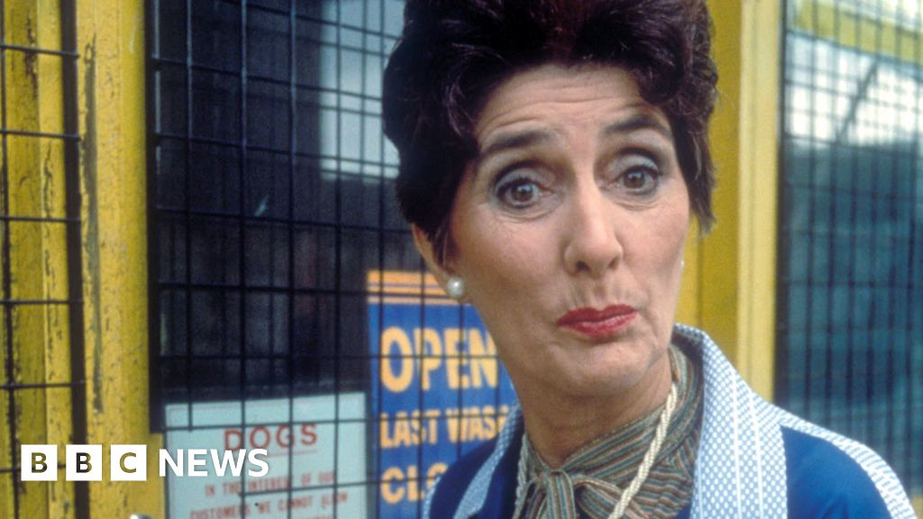 June Brown s 10 of the best EastEnders moments as Dot cotton