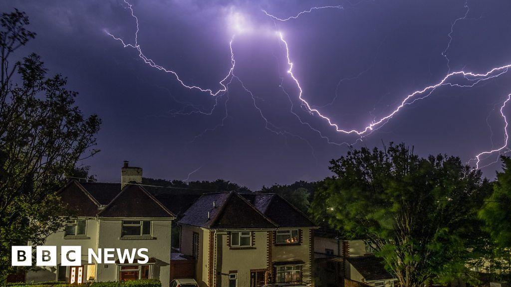 Lightning strikes and storms follow UK heatwave