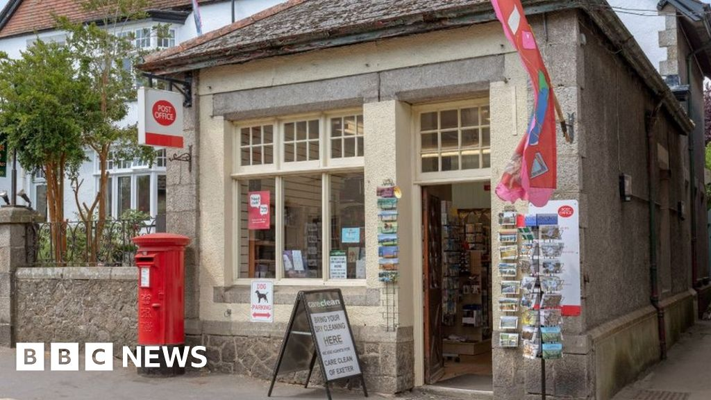 Barclays u-turn on cash access in post offices