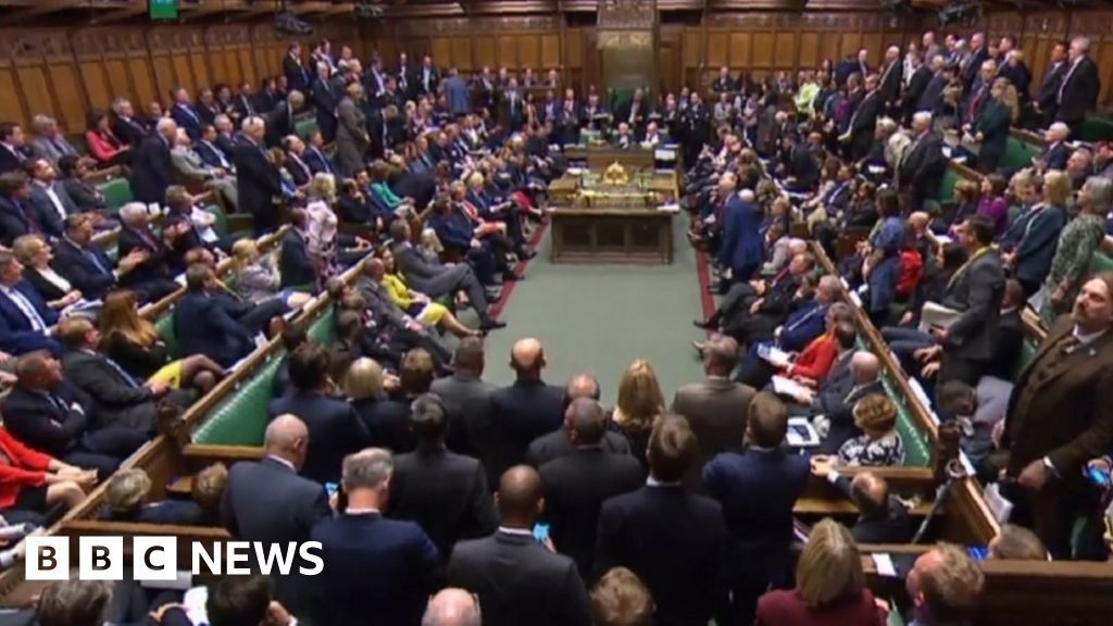 News Daily: PM warned about language and minimum pricing cuts alcohol consumption