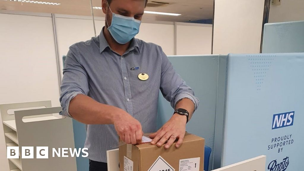 Vaccine scheme starts in South West pharmacies thumbnail