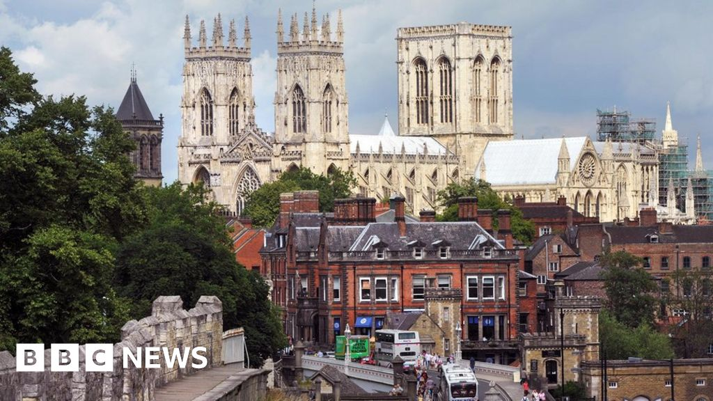 PM suggests York as Parliament's temporary home