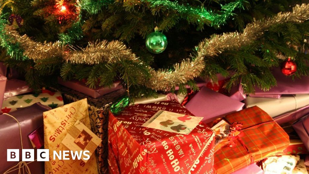 Hundreds of gifts stolen from Bristol Santa s grotto