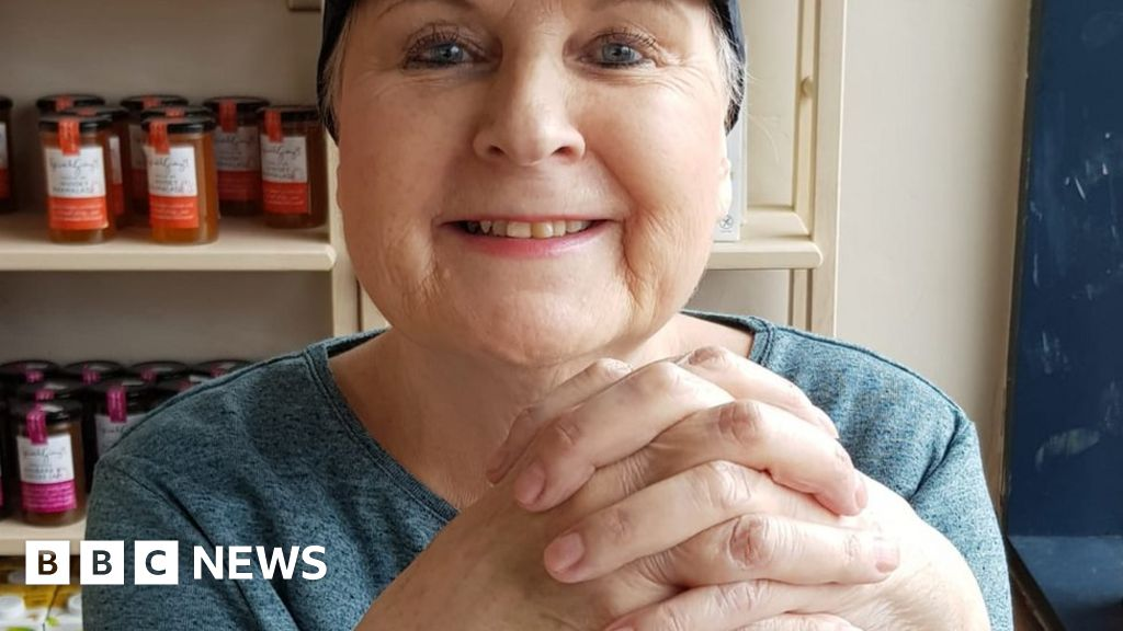 Coronavirus: 'Chemotherapy is the highlight of my fortnight during lockdown' thumbnail