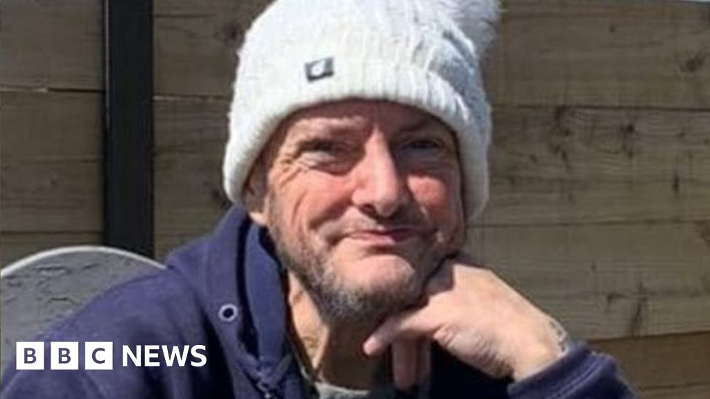 Mark McVey: Two bailed over suspected Derbyshire van thief's death thumbnail
