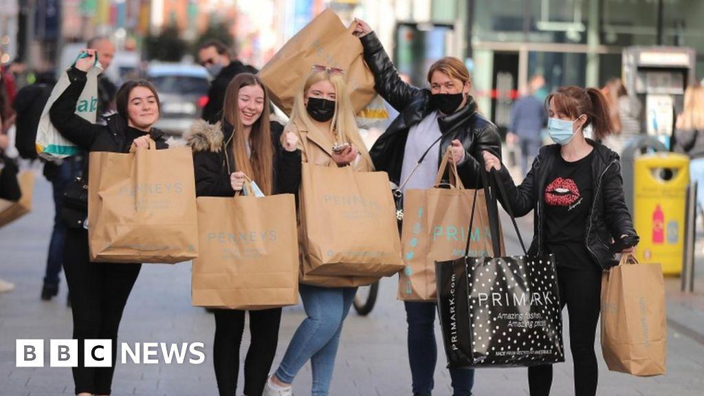 Coronavirus: Retail reopens in Republic of Ireland