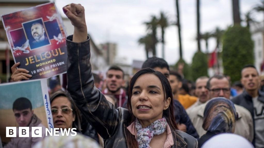 Thousands protest in Moroccan capital thumbnail