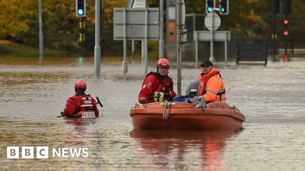 England flooding: More than 60 warnings in place thumbnail