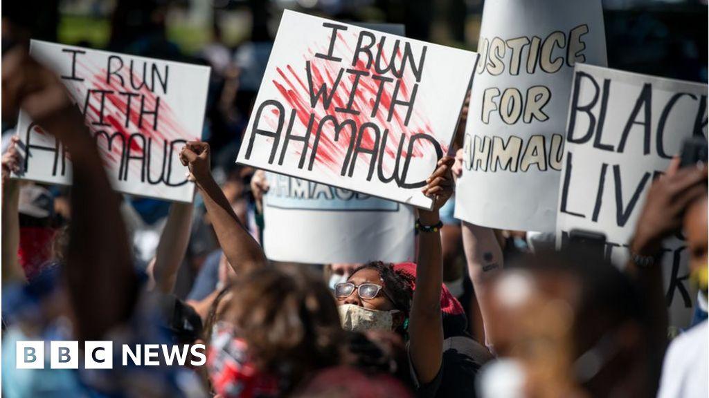 Ahmaud Arbery: Trial over black jogger's death begins