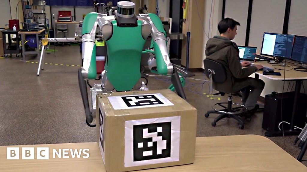 Robot learns to deliver packages