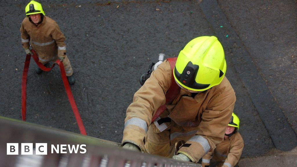 Twelve evacuated in overnight fire