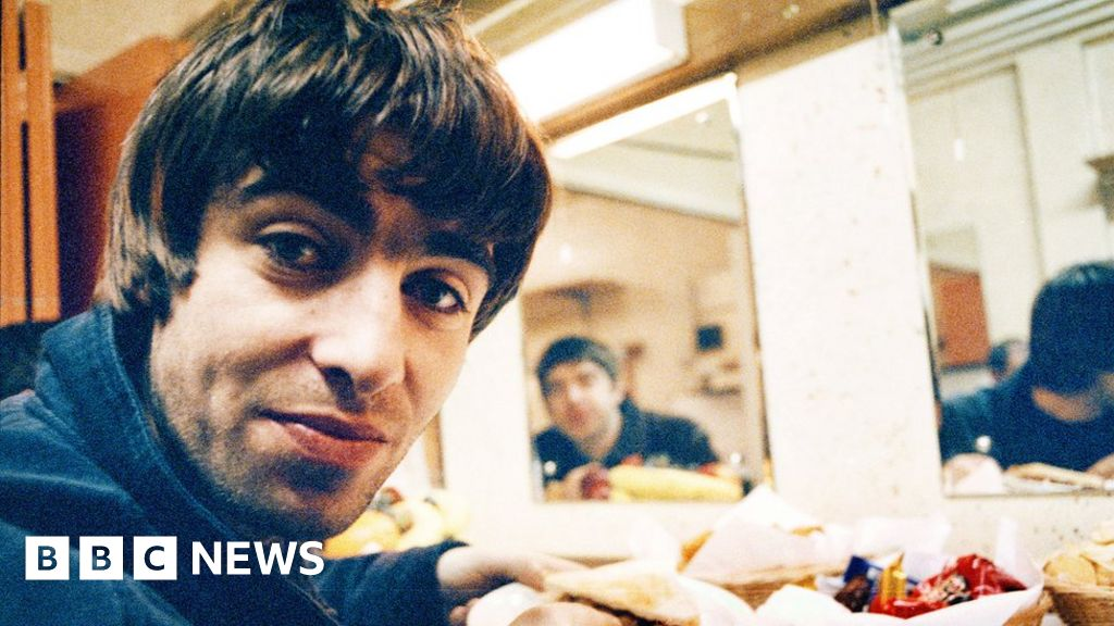 Oasis Definitely Maybe: How a studio haunted Liam Gallagher