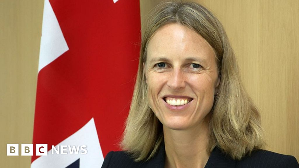 British diplomat resigns over having to 'peddle half-truths' on Brexit