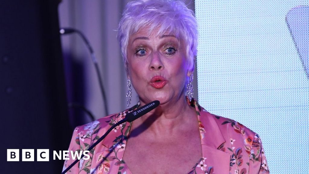 """Denise Welch s praise for the """"brave"""" depression videos"""