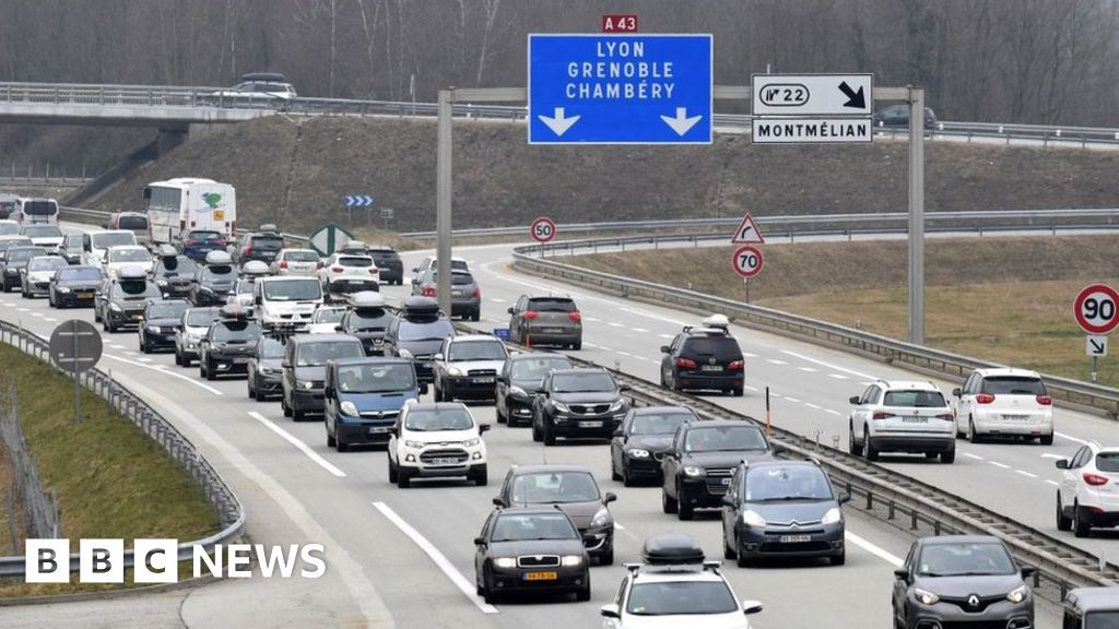 c0cce90f3b Brexit  Watchdog warns of need to issue driving permits - BBC News